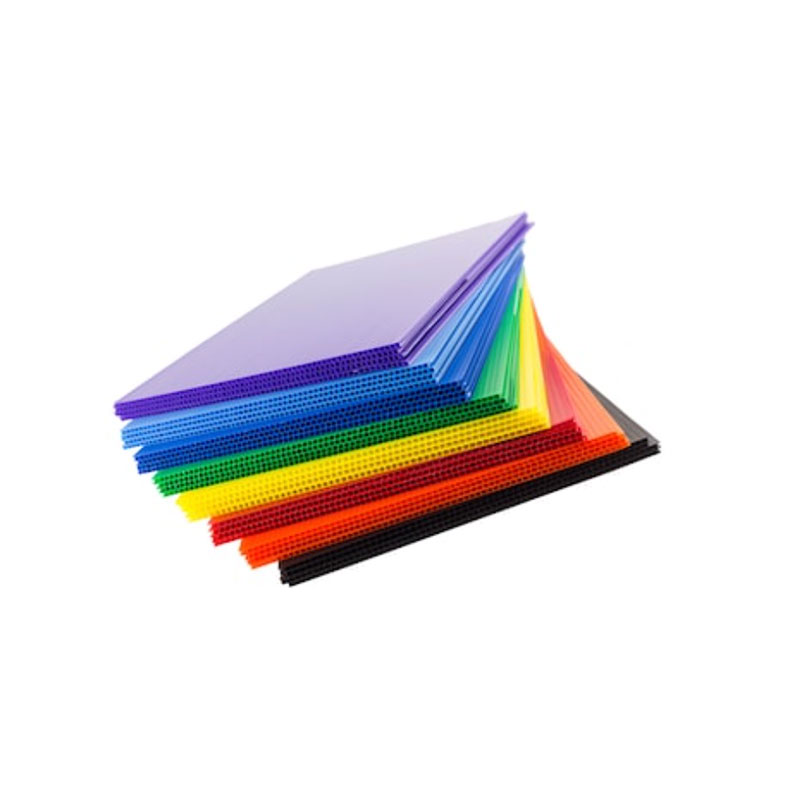 Feuilles de profil en plastique ondulé en polypropylène PP Corflute Coroplast Board Feuilles en plastique à double paroi Noyau en poly